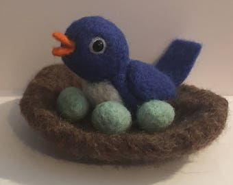 Needle Felted Bluebird/Bird/Wool Bird Nest/Spring/Nature Table/Wildlife/Needle Felted Eggs/Bird Nest/Nest with Eggs/Children's Room/Eggs
