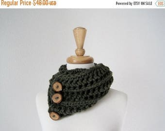 First Fall Sale - 15% Off FOREST Chunky Lace Knit Cowl Scarf in Deep Green with Branch Buttons - Soft & Warm Woodland Fashion
