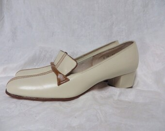 Vintage 60s Shoes MOD Pilgrim Low Chunky Heels New Old Stock Leather Space Age Retro 1960s