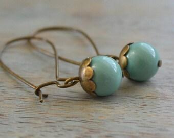 Jade Pearls, Minimal Pearl Earrings, Dainty, Vintage Inspired Pearl Earrings, Gift for Her, Everyday Earrings, Bridesmaid Wedding Gift