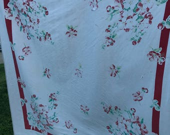 Vintage Red and White Floral Print Cutter Tablecloth