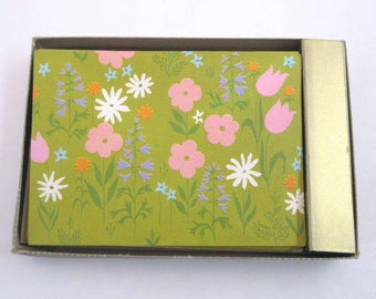 Vintage Unused Retro Green Floral Blank Note Cards in Original Box Set of 10 with Envelopes