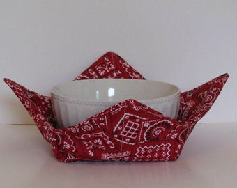 Microwave Fabric Bowl, Fabric Food Warming Bowl,  Ice Cream Bowl , Red Bandana ,Hostess Gift, Kitchen Gift