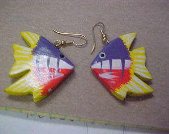 Vintage Painted Tropical Fish Earrings Pierced Dangly Orange Purple Yellow White