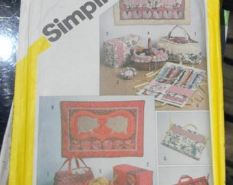 Christmas in July Vintage String Qilted Sewing Accessories and Wall Hangings Pattern N5311, Uncut