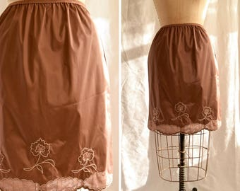 Trois Fleurs | Vintage Half Slip 1960s Lingerie Cafe Brown Nylon Acetate Petticoat Embroidered Flowers with Lace Insets 60s Half Slip Size S