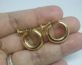 Vintage Monet Screwback Earrings, Vintage Earrings, Monet Earrings, Monet Jewelry, Gold Tone Earrings, Earrings, Screwback Earrings
