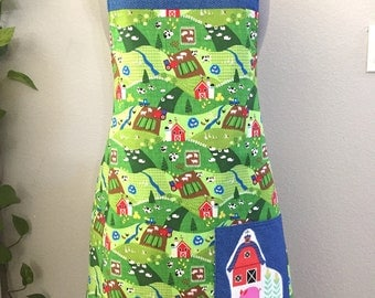 Farmland Apron/crops/tractor/barnyard/barn/cows/pigs/sheep/ducks