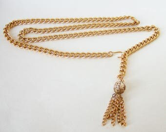 Simple 1960s Chain Belt - Gold Tone Metal with Dangly Chain Tassel - Mod Go-Go Dancer Style