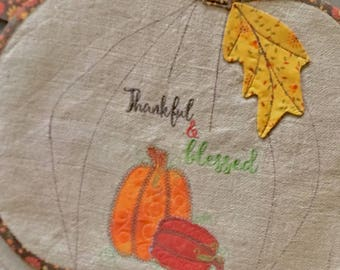 BURLAP Placemats Set of 2 . . . PUMPKIN Shape . . . Applique  Pumpkins   . . . Embroidered Thankful and