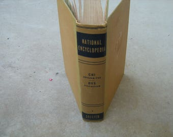1947 Collier national encyclopedia volume 3