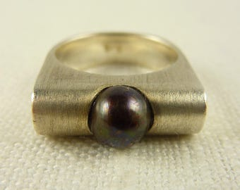 Vintage Size 7.75 Sterling Tahitian Pearl Ring