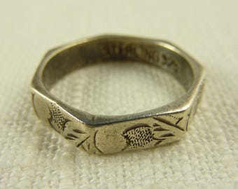 Size 6 Vintage Sterling Engraved 7 Sided Ring