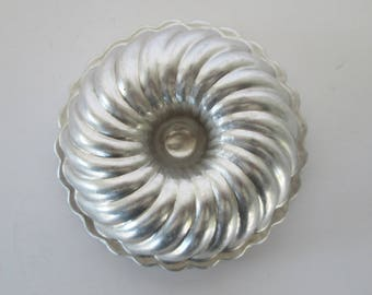 Set of 12 Small Tin Molds
