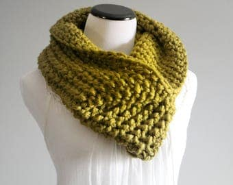 Chunky Wool Knit | Chunky Cowl | Crochet Cowl | Cream | Knitted Cowl | Loop Scarf | Gift For Her | Lemongrass | Wool Cowl | Ready To Ship