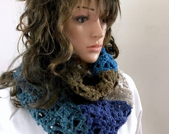 The Infinity Scarf - Circle Scarf - Cowl - Roving Cool Colors