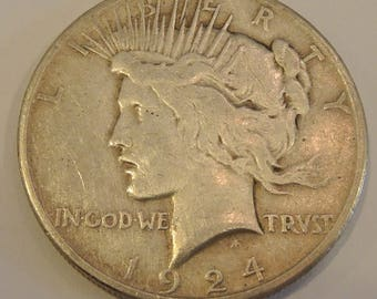 1924 Peace Dollar - Collectable Rare Silver Coin In Excellent Condition - Coins Ship FREE
