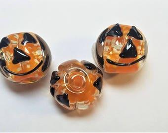Glow in the dark pumpkin beads 2pc