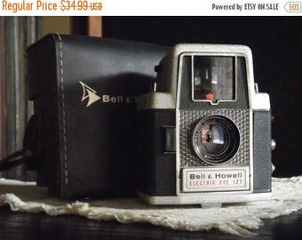 SALE 25% OFF 1960's Bell & Howell Electric Eye 127 Camera with Leather Field Case