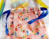Retro Bag Drawstring Gift Bag Pouch Pink Flowers Hearts Makeup Bag Planner Storage Toiletries Bag Floral Fabric