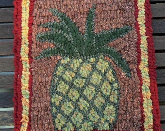 PRIMITIVE PINEAPPLE Rug Hooking Kit with cut wool strips on monks cloth