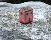 Little Clay House/Tiny Red Cottage