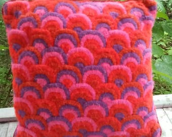 Vintage Nettle Creek Pillow Velvet with Yarn Stitched Mod Scallops
