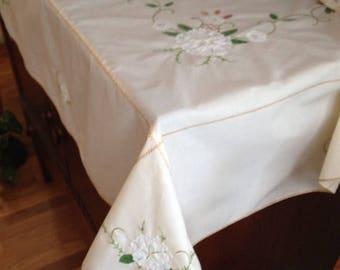 Appliqué Tablecloth and Napkin Set