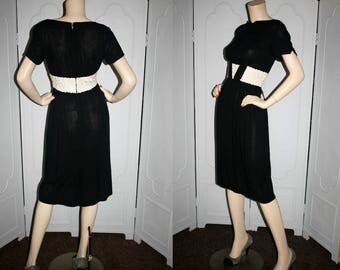 Vintage 50's Black and Cream Summer Wiggle Dress. Small.