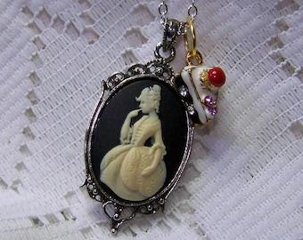 Marie Antoinette Pendant Necklace - Renaissance Wedding Jewelry - Let them eat Cake - French courtesan Lady - France - Martha Washington