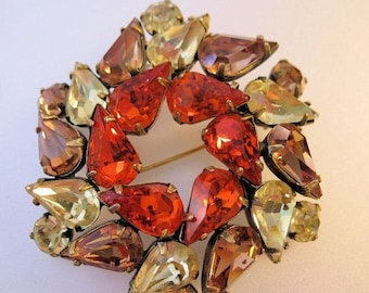 XMAS in JULY SALE 1950s Teardrop Wreath Rhinestone Brooch Orange Yellow Cognac Vintage Costume Jewelry Jewellery