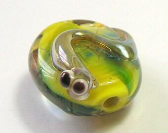 Green Baby Lizard Bead -  Handmade Lampwork Glass Bead - Critter Bead