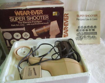 Wear-Ever Super Shooter Electric Cookie Canape  press in box