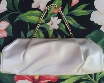 Cream Handbag Cream Clutch Vintage Handbag Vintage Clutch 1960s Handbag 1960s Clutch Mod Handbag Mod Clutch 1960s Movie Prop Midcentury