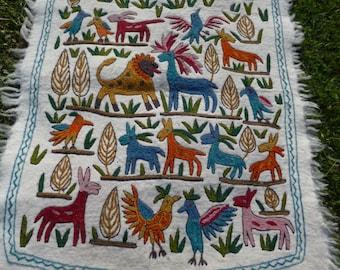 Super Animals Felt Wool Kashmir Hand Embroidered Namda Rug Kilim tapis. 4 ft x 3 ft