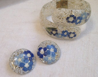 Confetti Flowers Lucite Clamper Bracelet and Earrings