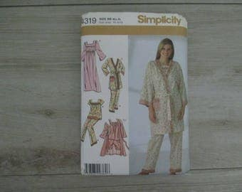 New Condition Pajama Simplicity Pattern Uncut Robe Nightgown