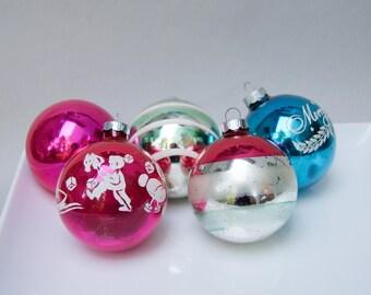 "5 Vintage Shiny Brite Christmas Balls Ornaments . Fancy Pack Carton . 2 5/8"""