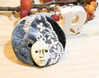 ceramic skin,vintage pendant, lace pendant