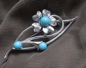 Blue note Silver tone flower brooch pin with turquoise blue center by Sarah Coventry Vintage pin
