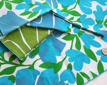 Lot of six retro Vera Neumann napkins. Floral napkins, daisy napkins, sunflower napkins, cotton napkins, blue napkins, aqua napkins, green