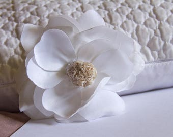 Desert Rose Magnolia Hair Flower Clip with Raw Natural Crystal // OOAK Hair Styling Accessories // Luxury Hair Care Products for Women //