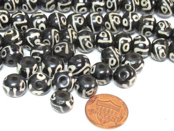 10 beads - Tibetan Nepal batik bone beads dzi eye design mala beads supply 10 mm size - ML104B