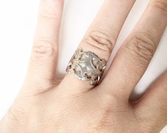 Ornate ring size 7 vintage silver color