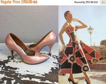 Anniversary Sale 35% Off Stand Taller Than Everyone  - Vintage 1950s Venus Shell Pink Pearlized Patent Leather Stilettos - 6