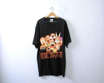 Vintage 90's Cleveland Browns graphic tee, Looney Tunes cartoon characters shirt, size XL