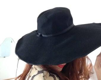 Très Joan Crowford 1930s /1940s laine chapeau garniture grand noir sz S