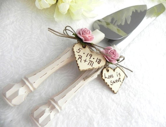 Rustic Chic Wedding Cake Server And Knife Set, Cream and Dusty Pink, Personalized Wood Hearts, Bridal Shower Gift, Wedding Gift