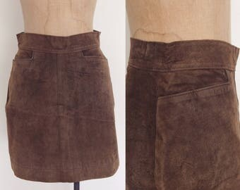 """1990's Suede Leather Mini w/ Pockets in Chocolate Brown Size Small 26"""" Waist by Maeberry Vintage"""