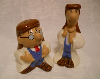 Wade Tetley Sydney and the Gaffer Salt and Pepper Shakers 1996 Second Version - vintage, collectible
